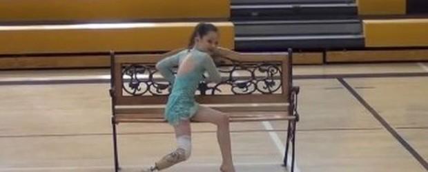 Ο πρώτος χορός της 8χρονης Alissa μετά από ένα δυσάρεστο ατύχημα