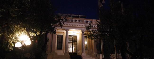 Σε ασφυκτικό κλοιό η κυβέρνηση – Οι 3 «νάρκες» της αξιολόγησης: Πλειστηριασμοί, προαπαιτούμενα και ισοδύναμα