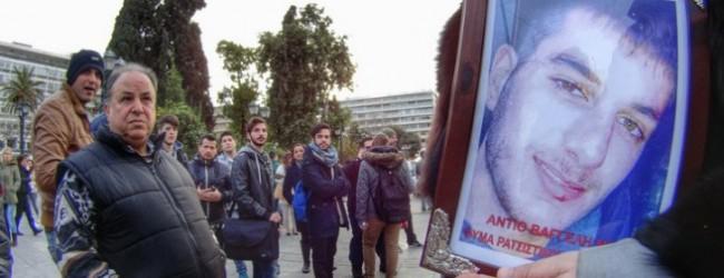 Θλίψη και συγκίνηση στο μνημόσυνο του Βαγγέλη Γιακουμάκη