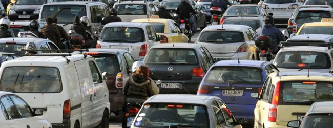 Ερχονται τα «αυξημένα» τέλη κυκλοφορίας – Πόσο θα πληρώσουν οι ιδιοκτήτες