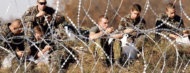 Νέοι φράχτες και… στρατός για τους πρόσφυγες