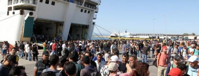 Περισσότεροι από 4000 πρόσφυγες στο λιμάνι του Πειραιά