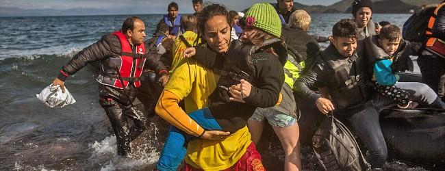 Πάνω από 540.000 πρόσφυγες και μετανάστες έφτασαν στα Eλληνικά νησιά