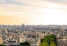 Τα ονόματα των νεκρών του Παρισιού σχηματίζουν τον Πύργο του Άιφελ