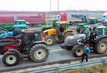 Ετοιμάζονται για μπλόκα οι αγρότες -Αποστόλου: «Δικό τους θέμα πώς θα διεκδικήσουν»