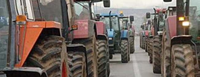 Με φυλάκιση «απειλεί» η κυβέρνηση τους αγρότες υπό το φόβο των μπλόκων