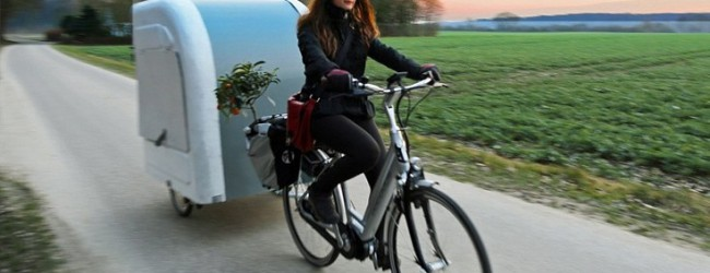 Τροχόσπιτο που το σέρνει ακόμα και ποδήλατο