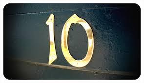 Δέκα λόγοι να μιλήσει κανείς