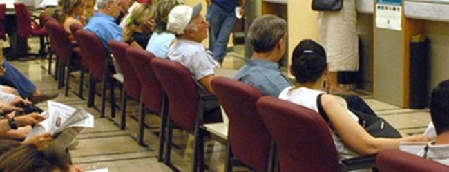 Το ΥΠΟΙΚ ξεκινά άμεσες κατασχέσεις των καταθέσεων για όσους χρωστούν