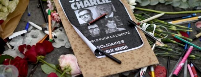 Το επετειακό τεύχος του Charlie Hebdo έναν χρόνο μετά το μακελειό