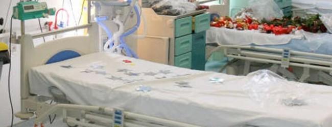 «Πνίγονται» στα ράντζα τα νοσοκομεία – Στοιβάζονται στους διαδρόμους οι ασθενείς
