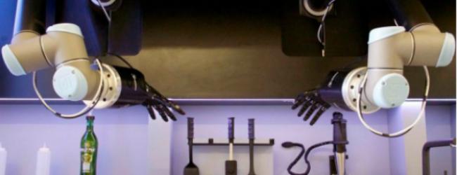 Ρομπότ – σεφ μαγειρεύει και καθαρίζει την κουζίνα