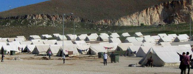 Λάρισα: Εφτασαν οι πρώτοι πρόσφυγες στη δομή φιλοξενίας στο Κουτσόχερο