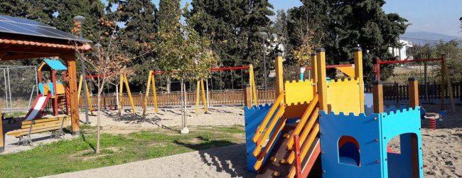 Σύγχρονες και ασφαλείς παιδικές χαρές στη Νέα Ιωνία από το Δήμο Βόλου