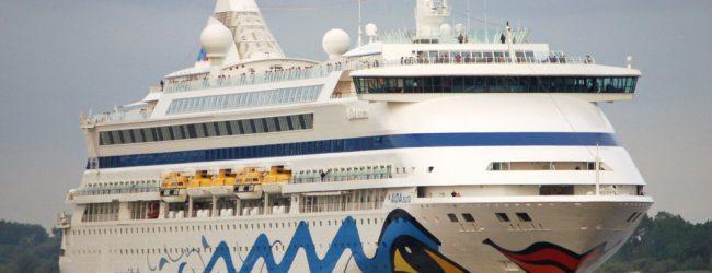 """Στο Βόλο το κρουαζιερόπλοιο """"Aida Aura"""""""