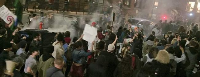 Βίαια επεισόδια στο Πόρτλαντ σε διαδήλωση κατά του Τραμπ (photos & vid)