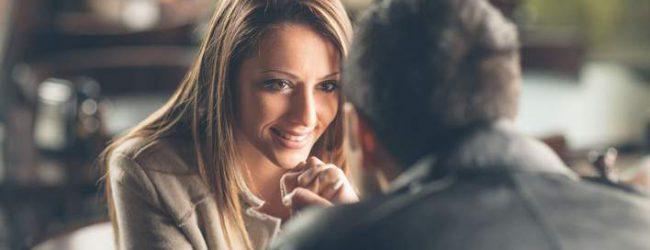 Πώς να τον φλερτάρεις χωρίς να φανεί ότι του την πέφτεις -5 μυστικά