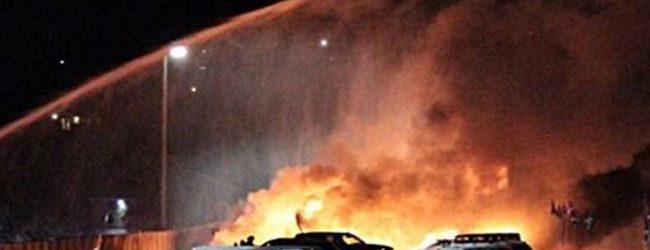 Κόλαση φωτιάς από αεροπλάνο που συνετρίβη μέσα σε πόλη στις ΗΠΑ