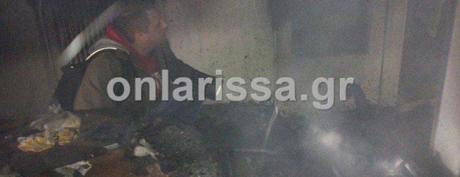 Σοκ: Μικρό αγοράκι με εγκαύματα στο νοσοκομείο από φωτιά σε διαμέρισμα στο κέντρο της Λάρισας (photos)