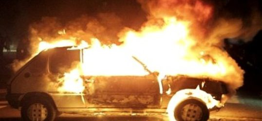 Αυτοκίνητο στην Α' ΒΙ.ΠΕ. τυλίχθηκε στις φλόγες