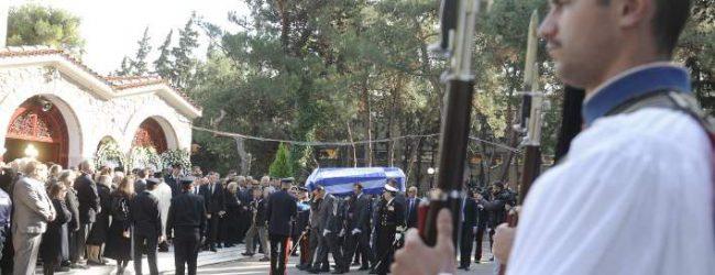 Η Ελλάδα αποχαιρετά τον Κωστή Στεφανόπουλο
