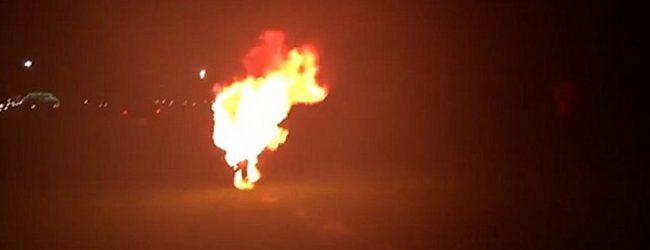 Βίντεο-σοκ: Άνδρας τυλίχτηκε στις φλόγες για να σπάσει ρεκόρ!