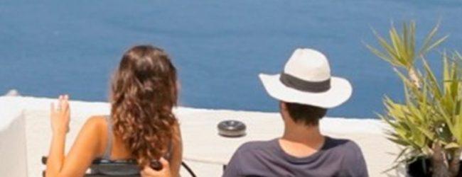 Περισσότεροι τουρίστες αλλά λιγότερα έσοδα στην Ελλάδα το 2016