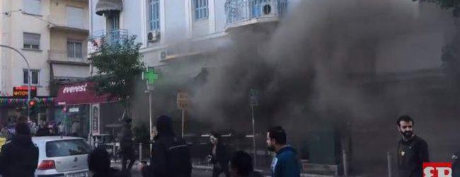 Εκρηξη στο κατάστημα των Everest στην πλατεία Βικτωρίας – 3 τραυματίες