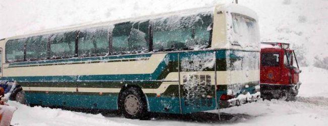 Δεύτερο ατύχημα με λεωφορείο του Υπεραστικού ΚΤΕΛ σε ένα 24ωρο – Αδικαιολόγητος αιφνιδιασμός της ΠΕ από τον μικρής έντασης χιονιά