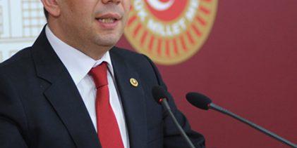 Τούρκος βουλευτής: Θα υψώσω στα νησιά την τουρκική σημαία και θα στείλω την ελληνική πίσω με κούριερ