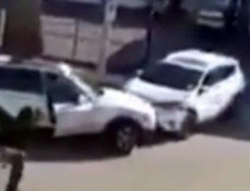 Άγριος καυγάς γυναικών οδηγών καταλήγει σε μονομαχία… συγκρουόμενων! (vid)