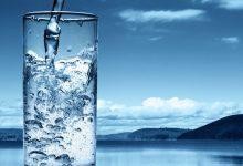 Γιατί δεν πρέπει να πίνουμε παγωμένο νερό όταν έχει καύσωνα