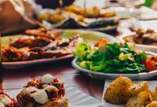 Παρά την κρίση, οι Ελληνες ξοδεύουν 6,5 δισ. τον χρόνο για έτοιμο φαγητό -Τι αγοράζουν (λίστα)