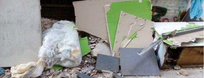 Βόλος: 150 νέες εστίες με μπάζα και κλαδιά καταγράφονται στο κέντρο κάθε εβδομάδα – Έκκληση Δήμου στους πολίτες