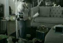 Σοκ: Μητέρα είδε «ζωντανά» την νταντά να κακοποιεί το με ειδικές ανάγκες μωρό της (vid & photo)