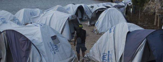 Guardian: Κακοποιήσεις και επιθέσεις σε ανήλικους πρόσφυγες στη Χίο -Ανατριχιαστικές μαρτυρίες
