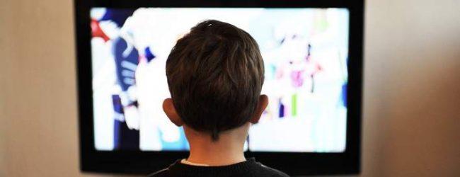 Παιδικές διαφημίσεις στην τηλεόραση τέλος -Θα απαγορευτούν από τις 7 το πρωί ως τις 10 το βράδυ