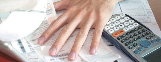 Εκκαθαριστικά-σοκ για έναν στους δύο φορολογουμένους