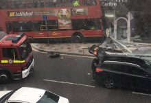 Απίστευτη εικόνα από το Λονδίνο: Λεωφορείο έπεσε πάνω σε κατάστημα!