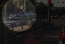 Σοκαριστικό βίντεο: Αυτοκίνητο πετάει στον αέρα μάνα και κόρη που περνούσαν το δρόμο