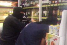 Εισβολή αναρχικών σε σούπερ μάρκετ στα Εξάρχεια: «Οχι ο καπιταλισμός στην περιοχή μας, πάρτε δρόμο» (vid)