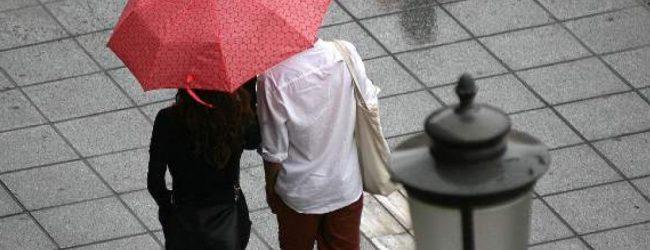 Βροχές και καταιγίδες μετά τον καύσωνα – Πού θα είναι έντονα τα φαινόμενα