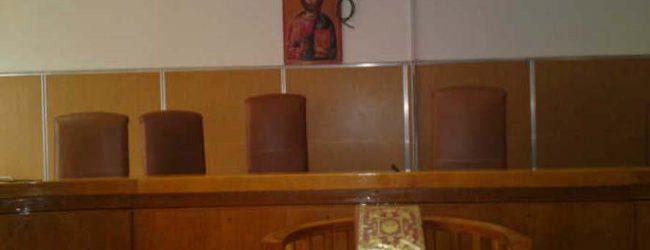 Σοκ στη Λάρισα στη δίκη του 40χρονου που έσφαξε τη μάνα του – Δάκρυσε μέχρι και η πρόεδρος του δικαστηρίου!