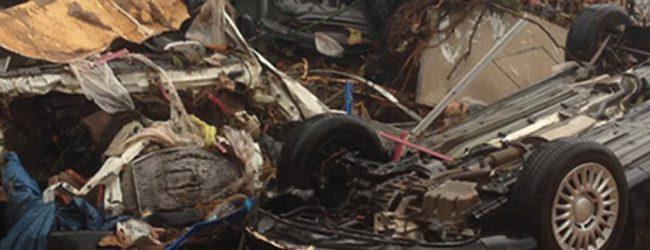 15 οι νεκροί από την κακοκαιρία -Αγωνία όσο νυχτώνει σε Μάνδρα & Ν. Πέραμο