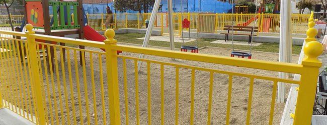 Με την παιδική χαρά συνεχίζεται το πλέγμα παρεμβάσεων στην πλ. Λαμπράκη στη Νέα Ιωνία