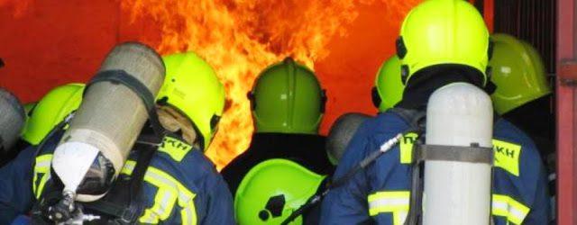 Φωτιά σε αποθήκη ξυλείας στον Βόλο