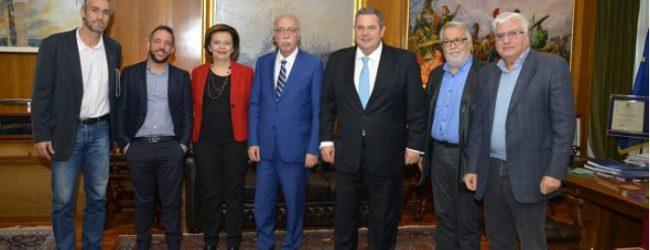 Μένει μέχρι να…φύγει το «Γεωργούλα» – Σύσκεψη παρωδία κομματικών εγκάθετων για να διασκεδαστούν οι εντυπώσεις