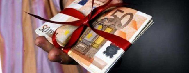 Βροχή οι καταγγελίες στη Λάρισα για το δώρο Χριστουγέννων – Ο εστιάτορας πήρε πίσω τις απολύσεις