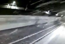 Βίντεο-σοκ με το ακυβέρνητο τρένο στο Μιλάνο – Η τριβή στις ράγες βγάζει σπίθες! (vid)