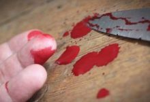 Βολιώτης έκοψε το λαιμό του με μαχαίρι!